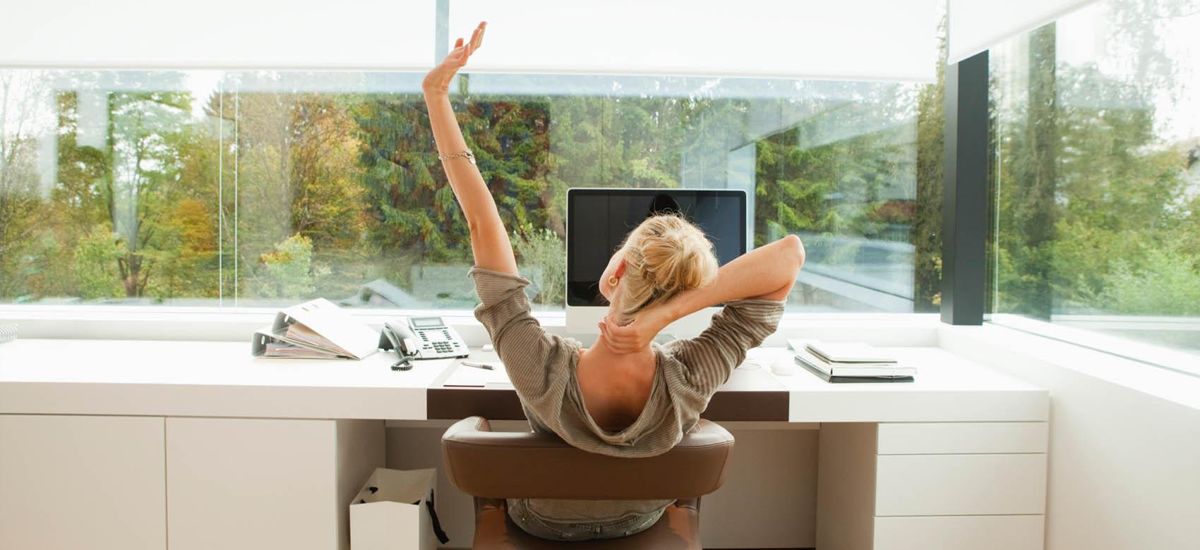 slider-woman-office